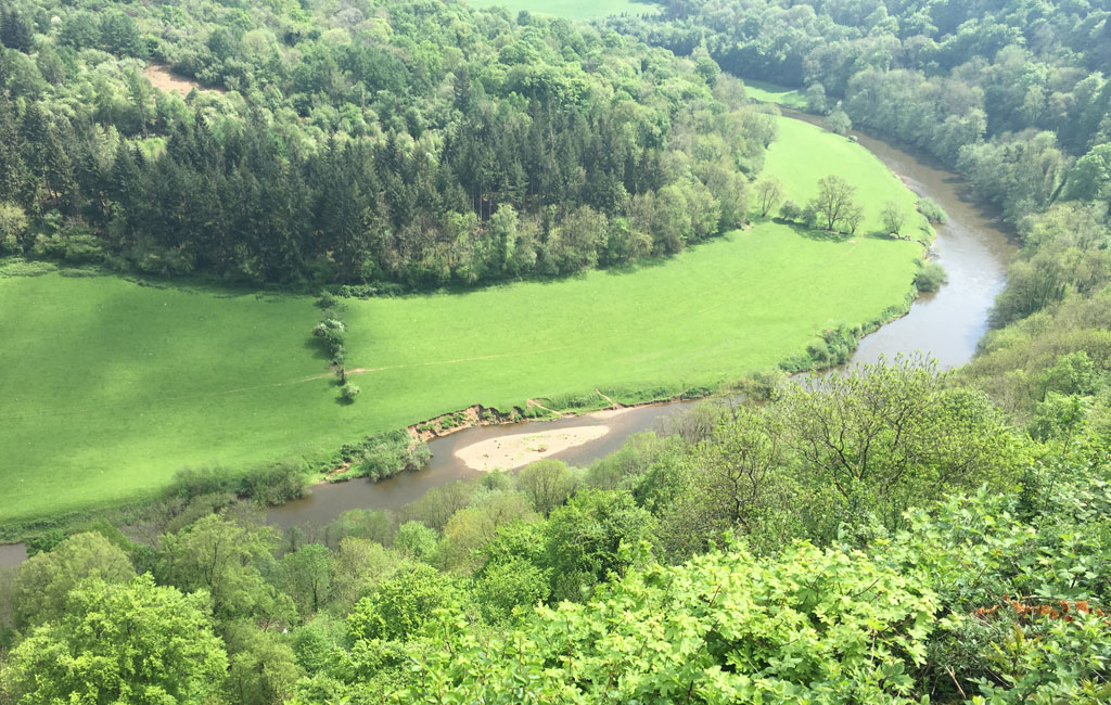 14-canoe-the-wye-through-the-valley-web