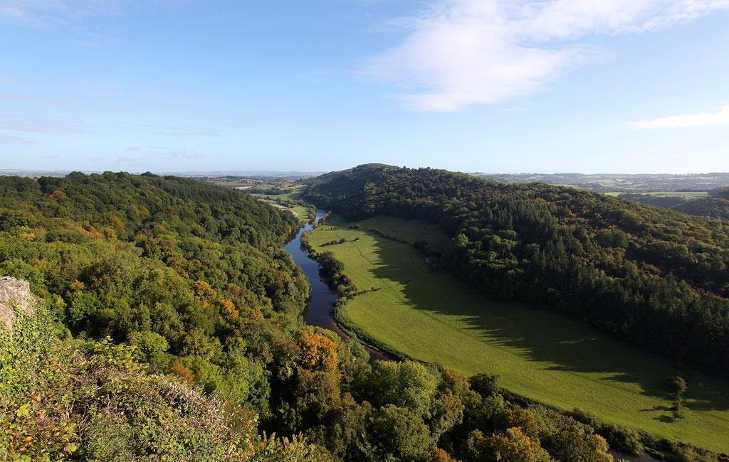 3-Canoe-the-Wye-view-point-west-sky-web